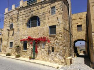 Casa laeta (happy house) on the island of joy - Xlendi vacation rentals