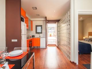 Cozy penthouse with terrace in Barcelona center - Barcelona vacation rentals