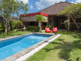 Great 3bed getaway Seminyak central - Seminyak vacation rentals