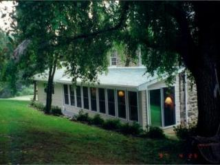 Hornet's Nest Retreat - Emmitsburg vacation rentals