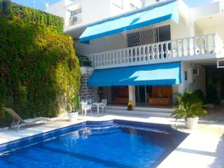 Amazing House Pool, Garden, Walk Everywhere! - Acapulco vacation rentals