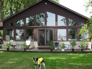 On the water near Appleton (short drive to Oshkosh, Green Bay) - Wisconsin vacation rentals
