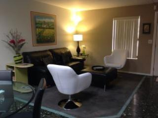 Central, very cute, three bedroom fully furnished - Tucson vacation rentals
