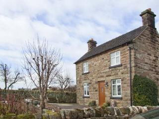 MARSH COTTAGE, open fires, off road parking, garden, in Stanton, near Ashbourne, Ref 23971 - Ashbourne vacation rentals