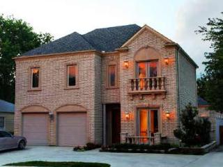 3700 Sf Villa 2 Miles from Downtown Fort Worth - Fort Worth vacation rentals