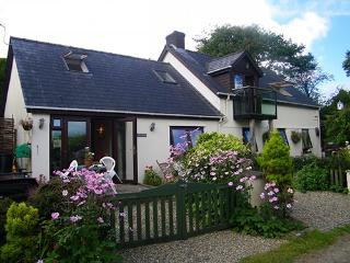 Pet Friendly Holiday Cottage - Ivy Cottage, Landshipping - Pembrokeshire vacation rentals
