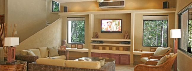 Sink into the comfortable wicker couches and enjoy HBO/Max on the 42 inch TV - 25% off Sept - Nov - Casa La Via - Luxury Villa - Akumal - rentals
