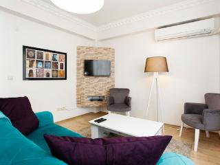 Home Apart Taksim Plus M3 - Istanbul vacation rentals