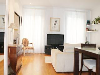 ROMANTICO::Old Town. Seaviews. WiFi. Beaches. 2p - San Sebastian - Donostia vacation rentals