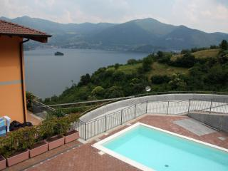 Nice flat with swimming pool and view on Lake Iseo - Iseo vacation rentals