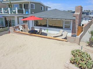 The Gathering Place; Casual oceanfront with great parking (68270) - Newport Beach vacation rentals