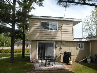 Beach Club Captain's Watch. - Oscoda vacation rentals