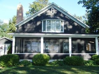 Knotty Pine. Saturday to Saturday Rental. - Michigan vacation rentals