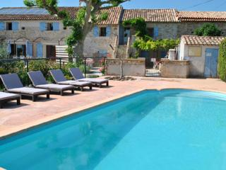 Provence Le Mas des Oliviers the Glycines Gîte, sleeps 5. pool and hot tube 6 places - Richerenches vacation rentals