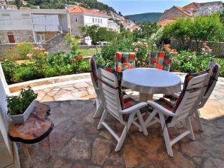 Apartments Tonka - 42251-A1 - Pucisca vacation rentals