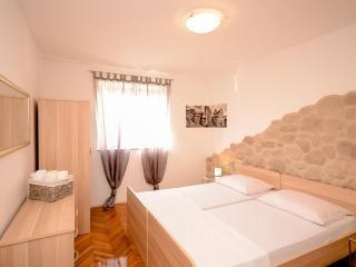 Apartment Ivan - 14011-A1 - Sibenik vacation rentals