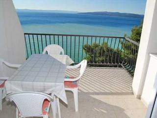 Apartments Igor - 33401-A2 - Bratus vacation rentals