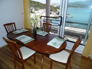Apartments Oliver - 52861-A2 - Putnikovic vacation rentals