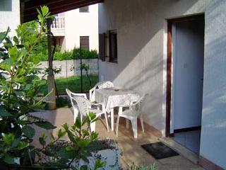 Apartments Ivan - 71521-A4 - Banjole vacation rentals