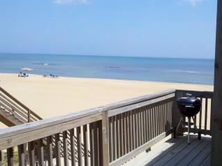 Awesome 3BR 1BA Oceanfront Cottage in S. Nags Head - Nags Head vacation rentals
