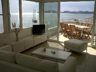 Exclusive penthouse(s) directly at sea and near Bodrum! - Aegean Region vacation rentals