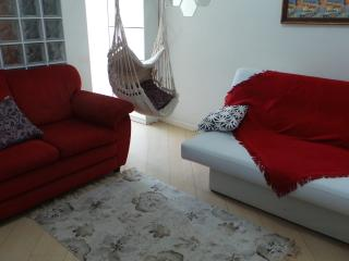 01 bdr - Air Conditioner - Flamengo Beach - Wifi - Next to Subway Flamengo - for 4 person - Rio de Janeiro vacation rentals