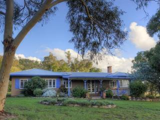 James Farmhouse & Cottages - Ballandean vacation rentals