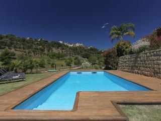 Stylish & Spacious 4/5 Bed Luxury Family Villa - Province of Malaga vacation rentals