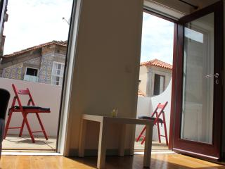Apartment T1k in Oporto Downtown - Northern Portugal vacation rentals