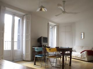 1 Bedroom apartment Gran Via Callao - Madrid Area vacation rentals