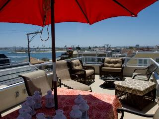 Luv Surf Pet Friendly Mission Bay Rooftop View - San Diego vacation rentals