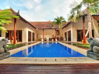 Villa Ayu - Luxury and style close to the action - Seminyak vacation rentals