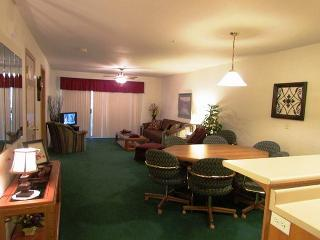 Captivating Quarters-2 Bedroom, 2 Bath Emerald Bay Yacht Club Condo - Branson vacation rentals
