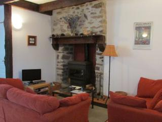 Beautiful  cottage in village near Dinan (B019) - Dinan vacation rentals