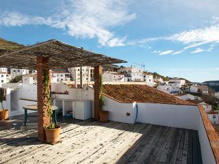 Charming house with big roof terrace in Andalucia - El Borge vacation rentals