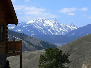 Log Home: Best Views/Hot Tub/23 Acres/Wildlife - Darby vacation rentals