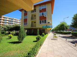 1 bed Forum Apartment with balcony for 5 people - Sunny Beach vacation rentals