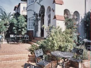 SPARKLING STAR BED AND BREAKFAST IN GLENWOOD - Durban vacation rentals