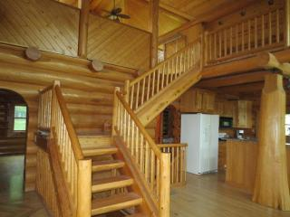 Beautiful Full Log Home South Of Des Moines Ia - Prole vacation rentals
