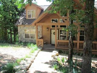 Twin Pines- 4 Bedroom, 4 Bath Stonebridge Resort Cabin Sleeps 10 Guests - Branson vacation rentals