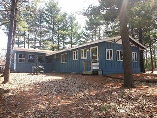 Castle Rock Lakeside Haven - Friendship vacation rentals