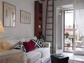 Charming apartment in Rome's historic district - Venice vacation rentals
