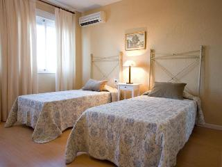Macarena Flat next romans walls of Seville 7 pax - Sevilla La Nueva vacation rentals