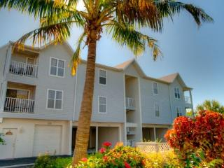 The Cove at Sandy Pointe 213 - Holmes Beach vacation rentals