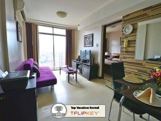 Modern and Highly Reviewed Vacation Condo in Makati - Philippines vacation rentals