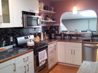 Now $125! Permanent Waves 1 Bdrm home in Arcata- Just remodeled! Dog welcome - Arcata vacation rentals