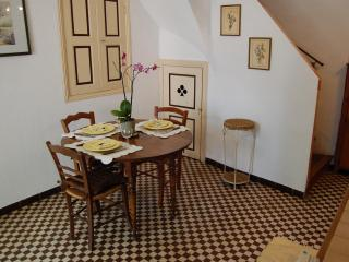 4 Km From  Canal Du Midi , Charming House  For You!! - Cruzy vacation rentals