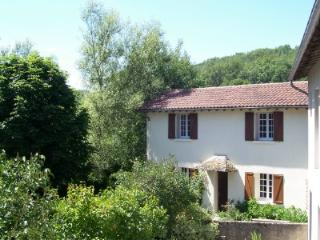 ***Cottage Swimming Pool Views Bordered By River - Auvergne vacation rentals