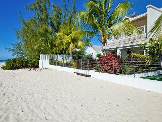Radwood Beach Villa 2 at Fitts Village, Barbados - Beachfront, Pool, Manicured Gardens - Fitts Village vacation rentals