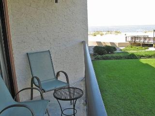 Great location, Nicely furnished low density property - Gulf Shores vacation rentals